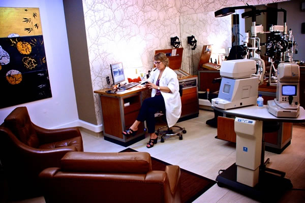 Super Dr.ª Arlete Costa, Médica Oftalmologista » Faro, Clinicalgarve UD99